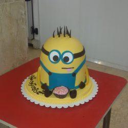 کیک های بسیار زیبا با طرح مینیون ها!